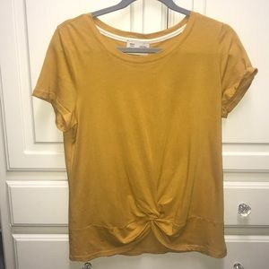 mustard yellow soft tee shirt with knot in front💛
